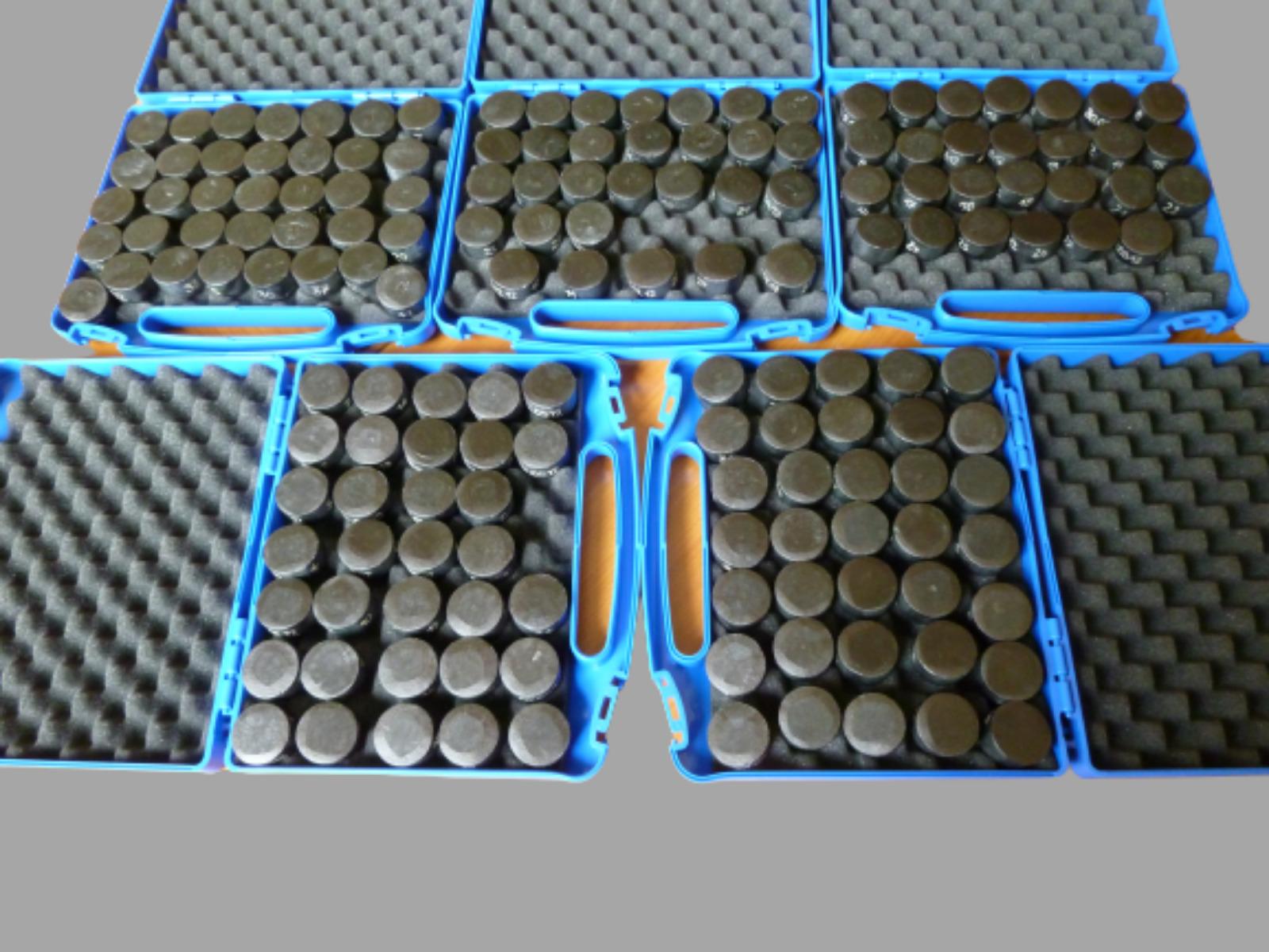 Cylinder bulk HTSs