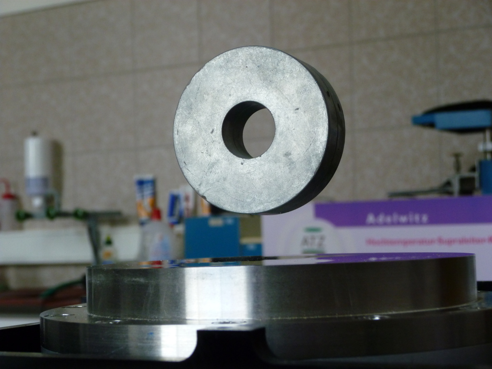 Levitating ring