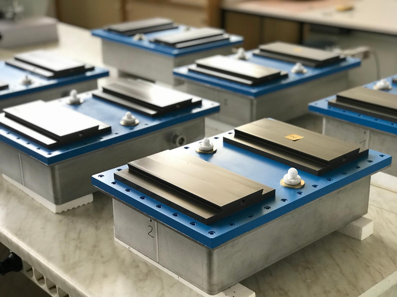 Mass production of maglev cryostats