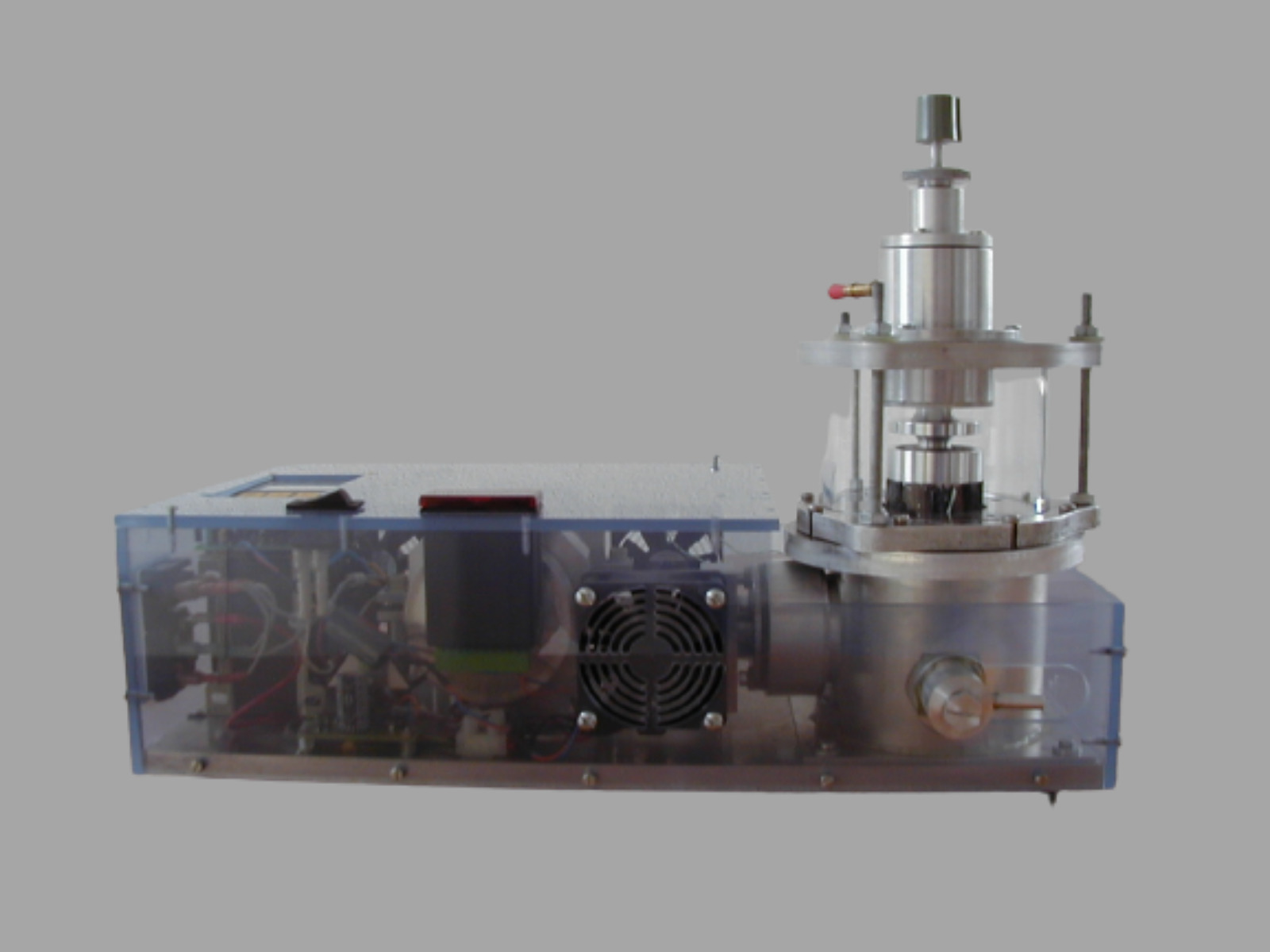 Superconducting magnetic bearing with cryocooler